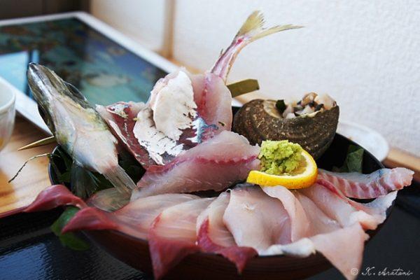 「関の海鮮丼」